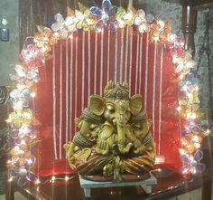 Here are some simple, easy Ganesh Chaturthi decoration ideas for home. These ideas for Ganpati decoration at home are new, fresh, creative and innovative. Gauri Decoration, Mandir Decoration, Ganpati Decoration At Home, Ganapati Decoration, Marriage Decoration, Diy Diwali Decorations, Festival Decorations, Flower Decorations, Teen Decor