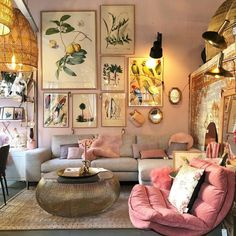 New Ideas Into House Design Interior Living Room Decorating Ideas Never Befo… - Best Home Deco Boho Living Room, Living Room Interior, Home Interior Design, Home And Living, Bright Living Room Decor, Living Room Into Bedroom, Small Living, Lights For Living Room, Colorful Living Rooms