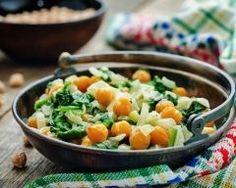 salade de pois chiches et oignons aux 3 épices : http://www.cuisineaz.com/recettes/salade-de-pois-chiches-et-oignons-aux-3-epices-78698.aspx