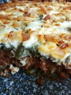 Rakott zöldbab Hungarian Food, Hungarian Recipes, Lasagna, Mashed Potatoes, Food And Drink, Ethnic Recipes, Oven, Lasagne, Whipped Potatoes