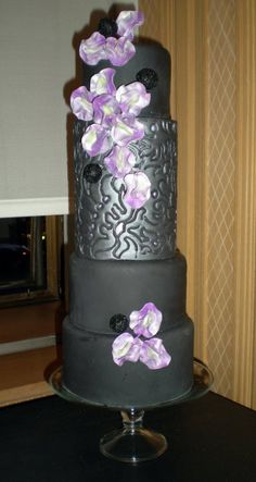 This board has 4000 pins of purple wedding stuff!!!   Black and Purple Cake