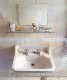 Lavabo y espejo, 1967  Antonio López