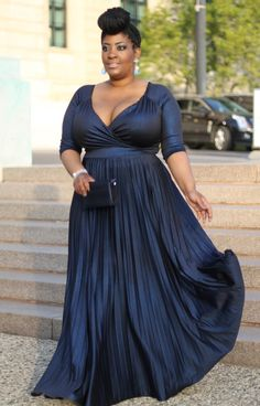 evening gown with sleeves Style Chic Black Tie + Red Carpet Ready Wearing IGIGI by Yuliya Raquel Antoinette Gown Trendy Dresses, Plus Size Dresses, Plus Size Outfits, Fashion Dresses, Evening Gowns With Sleeves, Plus Size Evening Gown, Plus Size Formal Gown, Mode Chic, Mode Style