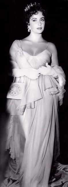 Classic Hollywood Central | Elizabeth Taylor