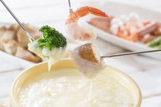 Fondue de queijo caseiro sofisticado | MdeMulher