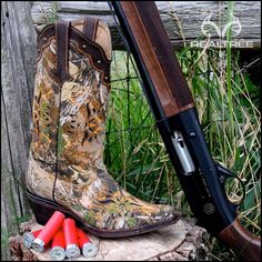 Who would love this Realtree Xtra Camo Girl's boot?   #Realtreecamo #camoboots