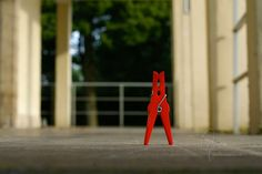0047 Der letzte Gang | Last walk #klammerpic #rot #clothespin #red #ontour