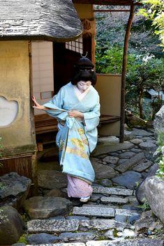 The Kimono Gallery Japanese Love, Japanese Geisha, Japanese Kimono, All About Japan, Kimono Japan, Nihon, Kimono Fashion, Asian Beauty, Samurai