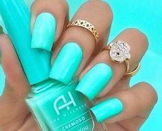 Aquia nails