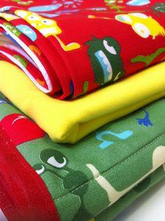 lençóis e manta do tijolinho amarelo para o tales e a mel