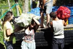 """""""O GRITO DO BICHO"""": Grupo cria sociedade alternativa para viver de for...#ogritodobicho #falabicho"""