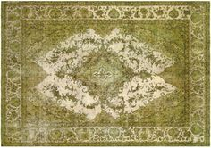 The perfect dark green living room or dinning room rug. Would be perfect with a dark wood table and elegant outdoorsy decor