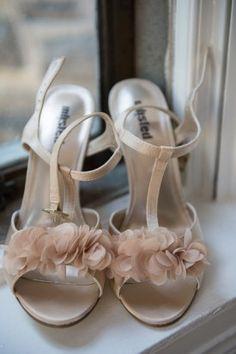 pink-wedding-shoes-Jennifer-McMenamin-Photography