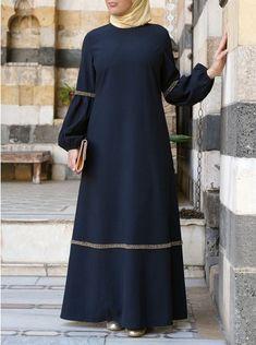 Simple Abaya Designs, Abaya Fashion, Fashion Outfits, Abaya Mode, Moslem Fashion, Hijab Stile, Islamic Fashion, Islamic Clothing, Stylish Dresses
