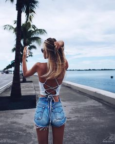 Trending Short Outfits Ideas to Copy Mode Ootd, Summer Outfits, Cute Outfits, Emo Outfits, Short Outfits, Mini Short, Looks Street Style, Beach Wear, Fashion Outfits