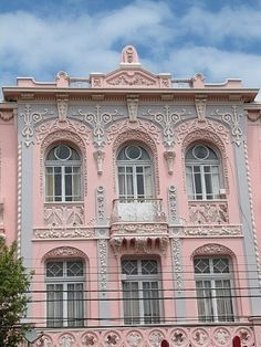 and gray decorative facade with balcony.anyone know where this is located?Pink and gray decorative facade with balcony.anyone know where this is located? Pink Love, Pink Grey, Pretty In Pink, Tout Rose, Gris Rose, Beautiful Buildings, Beautiful Homes, Beautiful Places, Simply Beautiful