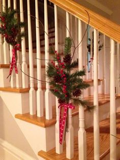 20 Simple Christmas Decorations Stairs Ideas 8 – The Best DIY Outdoor Christmas Decor Ribbon On Christmas Tree, Christmas Tree Crafts, Outdoor Christmas, Rustic Christmas, Simple Christmas, Christmas Lights, Christmas Activities, Christmas Stairs Decorations, Holiday Decorations