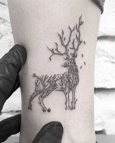 You will like different and beautiful deer tattoo models and their meanings. Deer tattoos and symbols have become quite popular in recent years. Bild Tattoos, Body Art Tattoos, Small Tattoos, Tattoos For Guys, Fox Tattoos, Unique Animal Tattoos, Animal Tattoos For Women, Tree Tattoo Designs, Design Tattoo