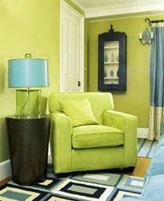 Spring holiday, like St Patrick's Day and special family events that happen in spring, are perfect reasons to change interior paint colors or furnishings and enjoy fresh living room decorating ideas Fresh Living Room, Living Room Green, Green Rooms, Living Room Colors, Living Room Decor, Living Spaces, Green Walls, Interior Color Schemes, Interior Paint Colors