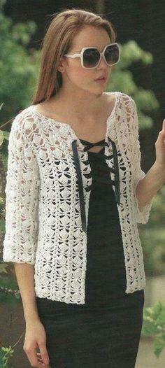 Silk Cotton Three Quarter Sleeve Cardi Pattern to crochet. Saco manga tres cuatros en hilo de seda. Crochet patron gratis. More Patterns Like This!