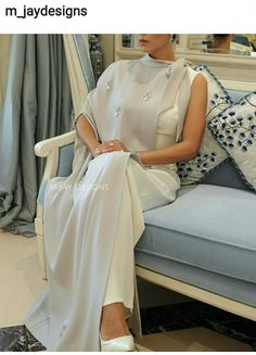 Queen Maxima of the Netherlands wears Valentino Arab Fashion, Muslim Fashion, Modest Fashion, African Fashion, Fashion Dresses, Womens Fashion, Stylish Dresses, Elegant Dresses, Pretty Dresses