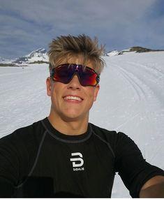 Nordic Skiing, Cross Country Skiing, Norway, Mens Sunglasses, Bra, Pretty, Sports, Style, Kunst