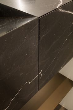 Marble drawer detail by Dieter Vander Velpen Architects Marble craftsmanship: Il Granito Photo: Thomas De Bruyne