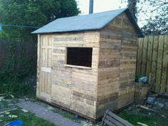 Picture of pallet wood shed