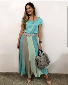 meyri cardoso multi brand on Skirt Outfits, Dress Skirt, Cool Outfits, Casual Outfits, Modest Fashion, Boho Fashion, Fashion Dresses, Frock Patterns, Look Office