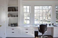 Long built-in desk nook