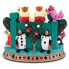 Disney Snowglobes Collectors Guide: Alice in Wonderland croquet match snowglobe Alice In Wonderland Croquet, Alice In Wonderland Figurines, Alice And Wonderland Quotes, Disney Day, Disney Love, Disney Snowglobes, Disney Figurines, Collectible Figurines, Disney Rooms