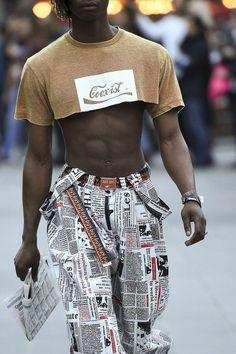"monsieurcouture: ""Gypsy Sport S/S 2018 Menswear Paris Fashion Week "" Crop Top Styles, Mode Masculine, Streetwear Mode, Streetwear Fashion, Crop Top Outfits, Sweater Outfits, Mens Crop Top, Gay Outfit, Half Shirts"