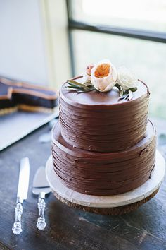 pretty chocolate cake | Sara & Rocky