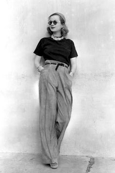Style Inspiration Joan Bennett Round Sunglasses Pearl Necklace Paper Bag Waist Pants Platforms Vintage Fashion- Could have been shot yesterday 1930s Fashion, Look Fashion, Retro Fashion, Fashion Glamour, Womens Fashion, Vintage Fashion Style, Coco Chanel Fashion, Classic Fashion, Gothic Fashion