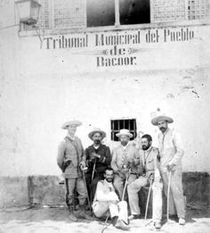 Spanish army officers in Bacoor, Cavite Province. Photo probably taken in 1897