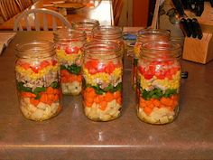 Cooking, Canning, Gardening: Layered Chicken-Vegetable Soup, Canned These are so pretty! Vegetable Soup With Chicken, Canned Chicken, Chicken And Vegetables, Vegetable Recipes, Vegetable Ideas, Chicken Soup, Pressure Canning Recipes, Canning Tips, Layer Chicken