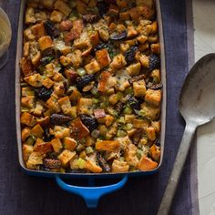 Yep, this is going on the Thanksgiving menu! Fig Herb & Sausage Stuffing via Spoon Fork Bacon Thanksgiving Recipes, Fall Recipes, Holiday Recipes, Dinner Recipes, Thanksgiving Stuffing, Thanksgiving Feast, Sweets Recipes, Easter Recipes, Stuffing Recipes