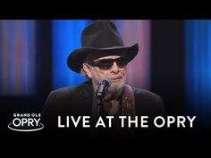 """Merle Haggard performs """"I Think I'll Just Stay Here And Drink"""" during what would be his final appearance on the Grand Ole Opry October © ℗ 2015 Gra. Country Music Videos, Country Music Artists, Country Music Stars, Merle Haggard Silver Wings, Bluegrass Music, Music Express, Grand Ole Opry, All About Music, Honky Tonk"""