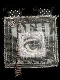 "Broche, création textile ""L'oeil de Fornasetti"" Véronïk Beaucé"
