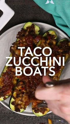 Keto Taco Zucchini Boats These easy Taco Zucchini Boats are a low carb recipe is fresh zucchini stuffed with seasoned ground beef,  cheese, and salsa. It's a delicious healthy keto recipe that makes a great dinner for family. It makes a great gluten-free dinner too! #zucchini #lowcarbrecipes #ketorecipes #keto #lowcarbdiet #healthyrecipes #taco #homemadeinterest<br> Meat Appetizers, Appetizer Recipes, Zucchini Boats, Zucchini Pasta, Keto Taco, Low Carb Recipes, Best Zucchini Recipes, Clean Recipes, Easy Dinner Recipes
