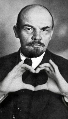 Lenin loves you! All Meme, Stupid Memes, Funny Memes, Meme Pictures, Reaction Pictures, Memes Amor, Memes Lindos, Simpsons Drawings, Hello Memes