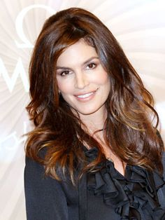 Cindy Crawford Hairstyles - October 5, 2011 - DailyMakeover.com