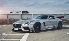"Cars - Mercedes-Benz SLS AMG : Prior Design lui offre une seconde vie grâce à un kit ""racing"" ! - http://lesvoitures.fr/mercedes-benz-sls-amg-prior-design/"