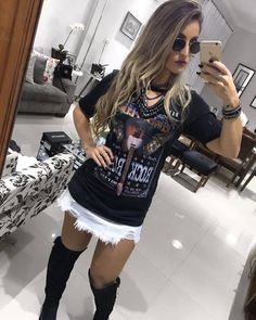 "124 curtidas, 4 comentários - Drops Feminina (@dropsfeminina) no Instagram: ""✨ Saia jeans + blusa decote americano. um charme !!! || WhatsApp (35)98861-2569"" Gypsy Style, Boho Gypsy, Looks Style, My Style, Look Rock, Dress Up, Shirt Dress, Fashion Beauty, Womens Fashion"