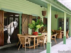 This is Every Horse-Lover's Dream Home It's the ultimate dream of every equestrian: To live with her beloved horses. Designer Amanda Lindroth creates charming living quarters at a family's barn in the Bahamas.