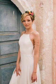 Flower crown- Pixie bridal hair -Bohemian & modern wedding in Santorini, Greece | Tie the Knot in Santorini