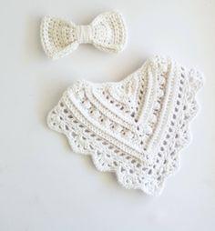 Crochet Baby Bibs, Crochet Baby Clothes, Newborn Crochet, Crochet For Kids, Baby Knitting, Bandana Bib Pattern, Baby Bibs Patterns, Crotchet Patterns, Dribble Bibs
