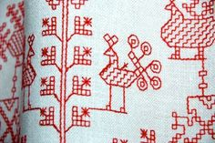 Traditional Karelian embroidery I arrive at Ilomantsi , Northern Karelia, with solitary forest trails on my mind but have to be patient. Kasuti Embroidery, Beaded Embroidery, Cross Stitch Embroidery, Hand Embroidery, Machine Embroidery, Scandinavian Embroidery, Swedish Embroidery, Indian Embroidery, Blackwork Patterns
