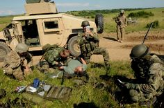 """US Army's Special Forces work in teams, known as an """"A-Team,"""" with each member having a specific job. Special Force Group, Special Operations Command, Master Sergeant, Military Training, Green Beret, Military Police, Training Center, Special Forces, Us Army"""