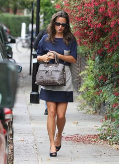 Pippa Middleton and her oyster Modalu Pippa bag